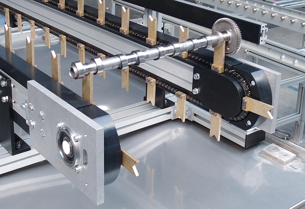 Indexing chain conveyor KTF-P 2040 02 as a raw parts conveyor